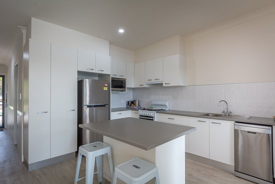 Huskisson, Avustralya: Kitchen of Waterfront Apartments