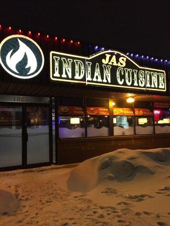 Good dinner buffet review of jas indian cuisine for Pool spa show winnipeg