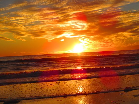 North Redington Beach: Sunset--an amazing time to be on the beach