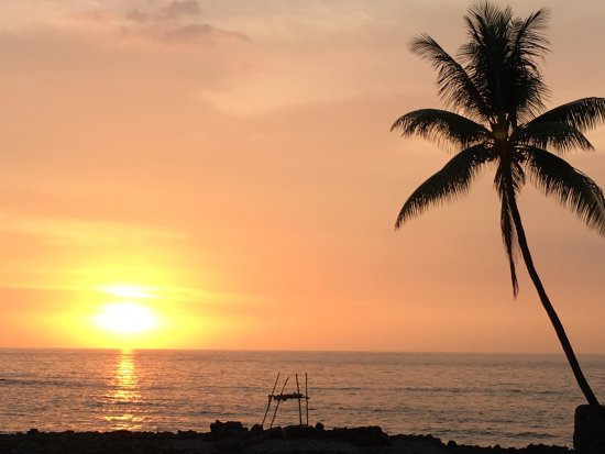 Kona Seaspray: ...and a spectacular view of paradise behind me.