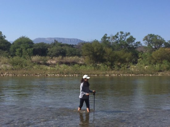 Tierraventura Ecoturismo  Day Tours: Hiking across the river at Cerro Viejo
