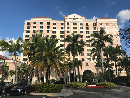Front View Of Hotel Picture Of Renaissance Fort Lauderdale Cruise