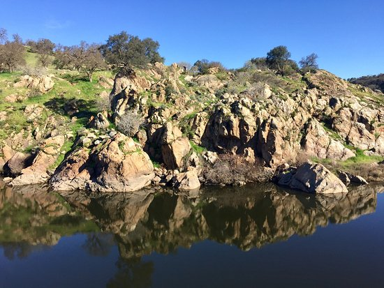 Stanislaus River Parks: Hiking on Valentine's Day 021417
