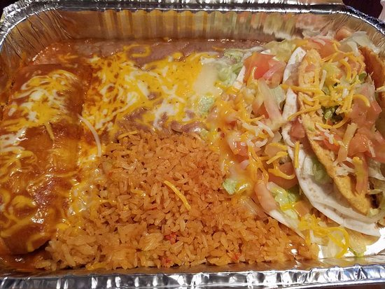 Saint Helens, Oregón: Take Out: Shredded beef tamale, Rice & Beans, Soft chicken taco, Hard shell chicken taco.