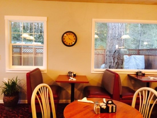 Sagle, ID: Comfortable Decor and Great Service!