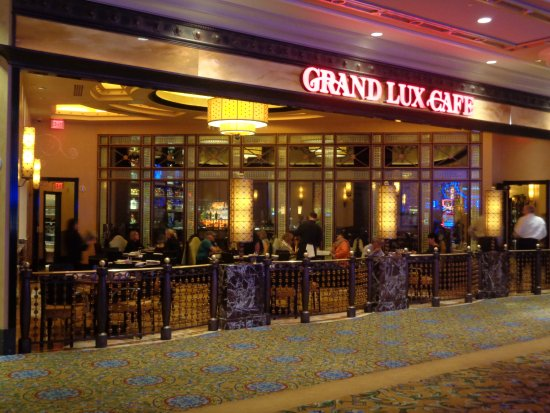 Patio dining - Picture of Grand Lux Cafe, Las Vegas