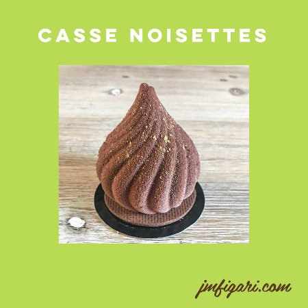 Figari, Francia: Mousse citron/confit praliné noisette / éclats de noisettes / sablé cacao noisettes