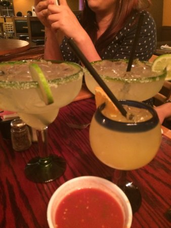 Hemet, CA: Large Margarita compared to regular.