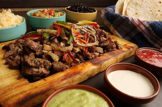 Cielito Comida Mexicana: fajitas de ternera, cerdo y pollo