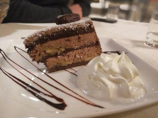 Domzale, Eslovenia: chocolate banana cake