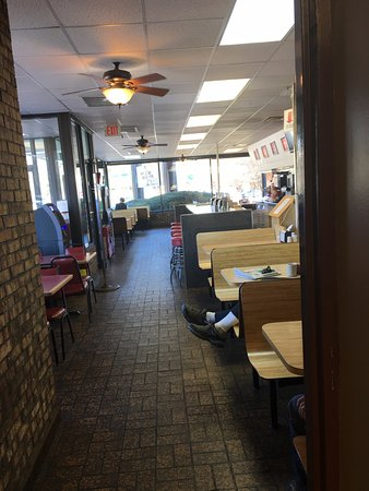 Salem, VA: View of the restaurant seating area