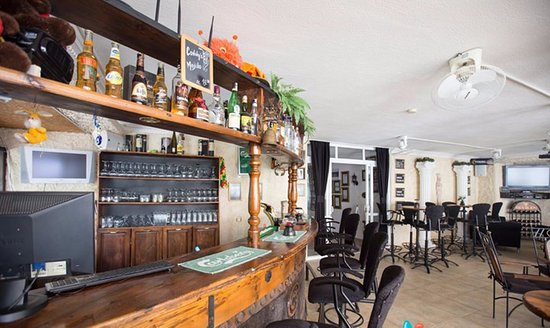 Conny's Hotel: Conny's Bar