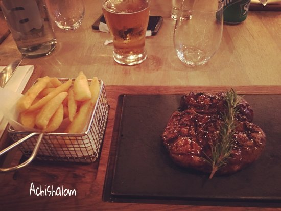 Berea, South Africa: medium Sirloin steak per excellence, cross handmade chips and a cold German beer Windhoek draugh