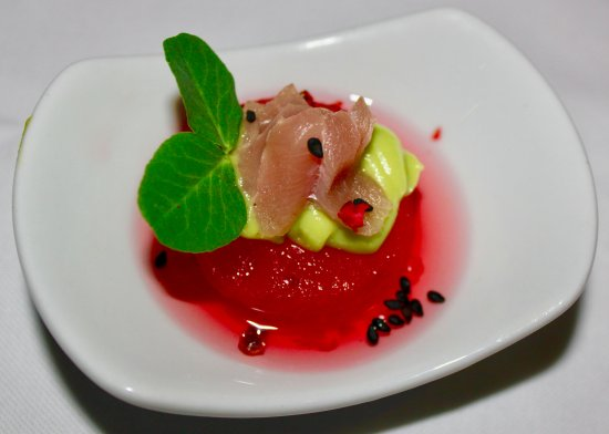 Southern Sun Hyde Park Sandton: Amuse Bouche: Sashimi tuna: compressed watermelon rose water, avocado, pink peppercorn