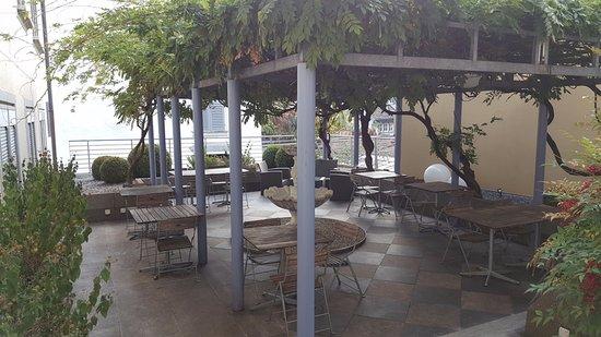 Hotel Wellenberg: Open Air Garden