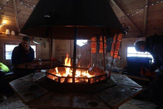 Valkea Arctic Lodge: Heerlijke lunches bij het vuur