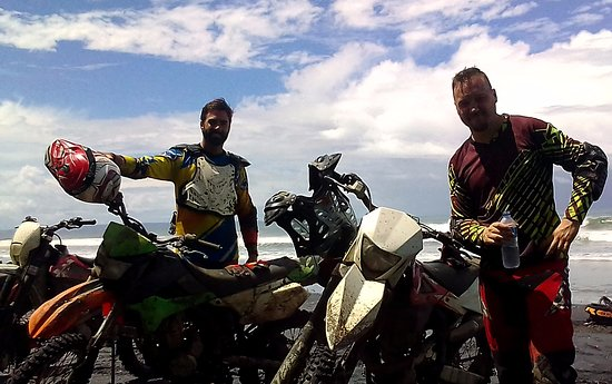 Pupuan, Indonesien: Bali Motorcycle Tours, Beach Dirt Bike Riding