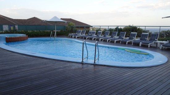 Куги, Австралия: Pool and Pool Terrace