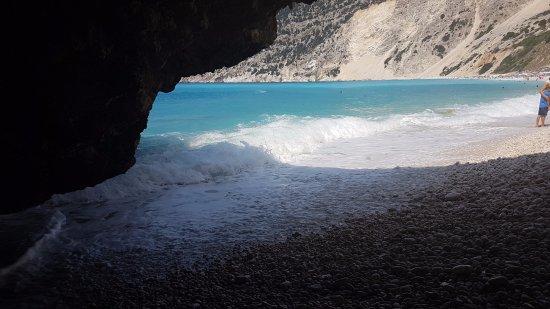 Myrtos Beach: mirtos beach