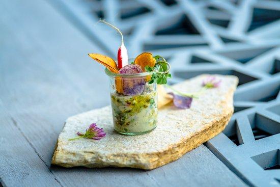 une cuisine créative et généreuse - picture of chetzeron, crans