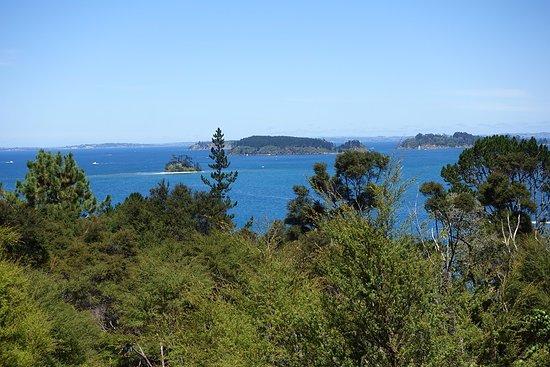 Warkworth, New Zealand: Вид с вершины Kawau Island