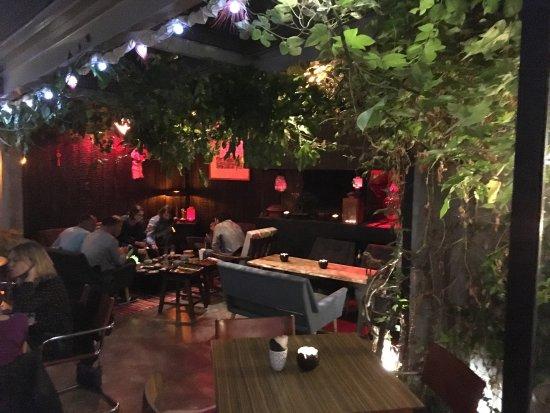 Bar cocktails picture of le parfum montpellier for Restaurant le jardin montpellier