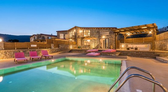 Lindos Seastone Villas