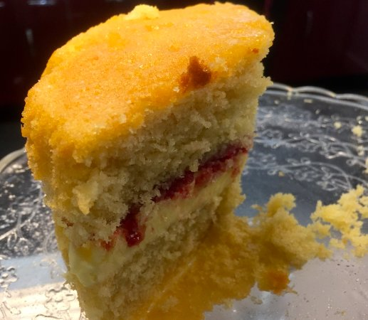 Colwall, UK: Victoria sponge cake