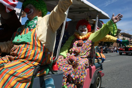 Grants Pass, OR: Silly Clowns