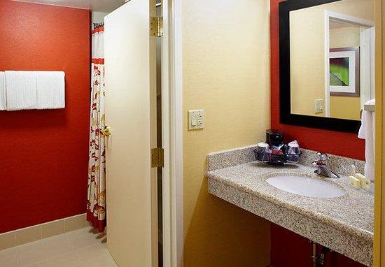 Altoona, Pensilvania: Guest Room Bathroom