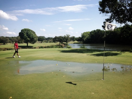 Blue Canyon Country Club: Flooded greens on a sunny day. Go figure.