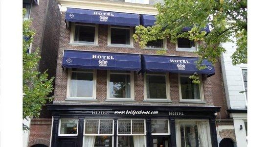 Bridges House Hotel