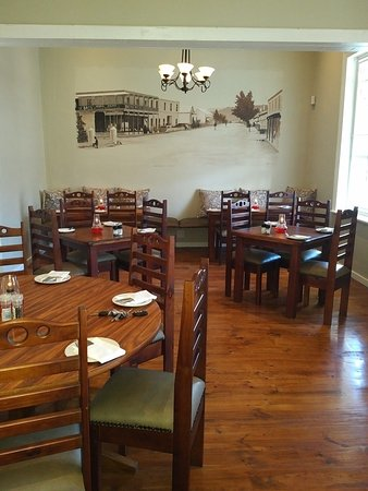 Ye Olde Tavern: Relaxed and informal seating area