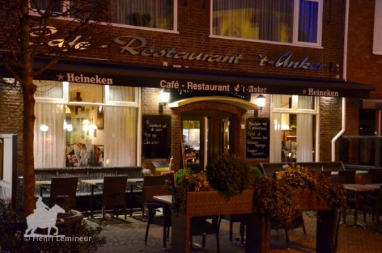 Exterieur photo de cafe restaurant 39 t anker yerseke for Restaurant exterieur