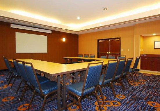 Raynham, MA: Meeting Room