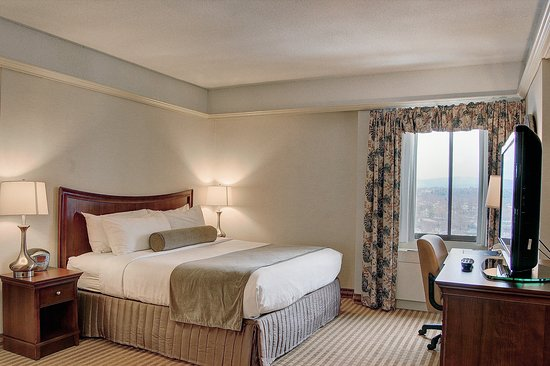 Pittsfield, MA: Suite