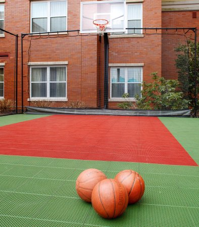 East Rutherford, Nueva Jersey: Sport Court