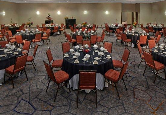 Cromwell, CT: Ballroom    Banquet Setup