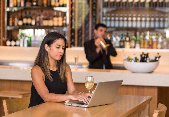 North Ryde, Australia: Orchards Restaurant & Bar