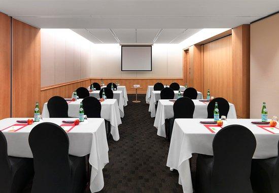 North Ryde, Australie : Macquarie Park 1 & 2 - Classroom Setup