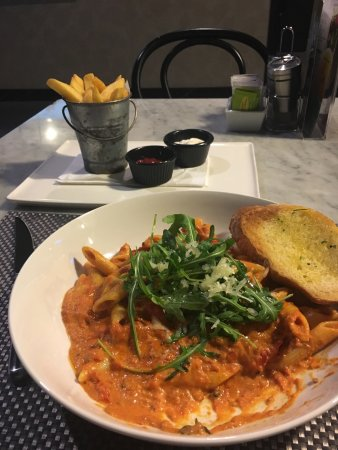 I love this restaurant and i always been there .However i like bene pasta snd its the best in UAE and its delicious