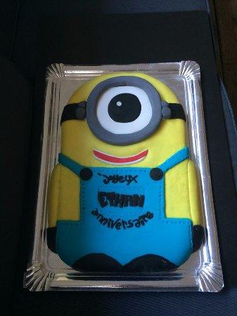 Cenon, Francia: Gâteau d'anniversaire