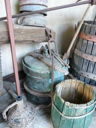 Sprzęty używane w gospodarstwach na przełomach wieków
