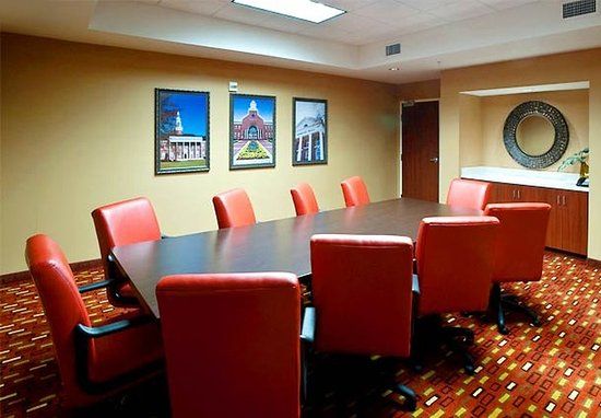 Troy, AL: Boardroom