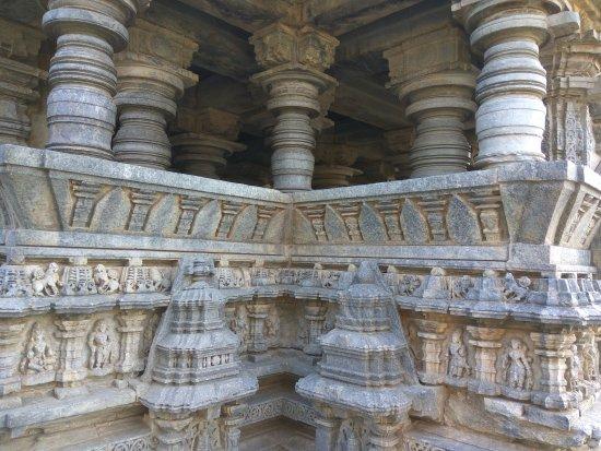 Хасан, Индия: Koravangala Temple