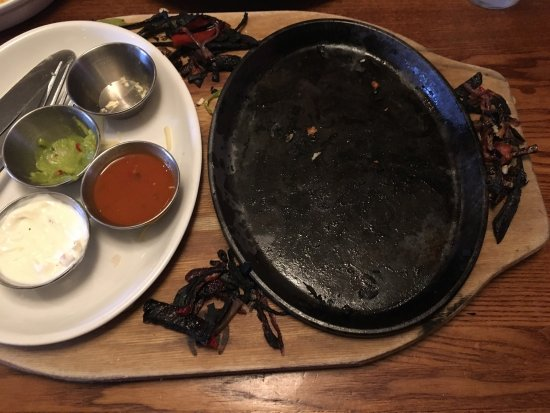 """Winsford, UK: """"Appalling"""" Burnt food, not worth the 45 min wait. I ate as much as I could, as there was nobod"""