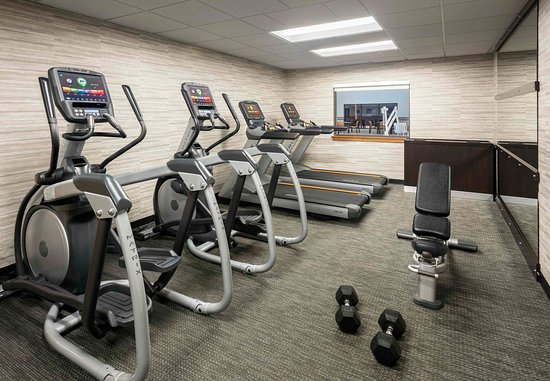 Des Plaines, IL: Fitness Center