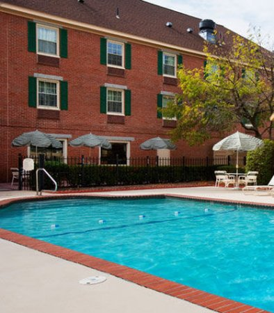 Lowell, MA: Outdoor Pool