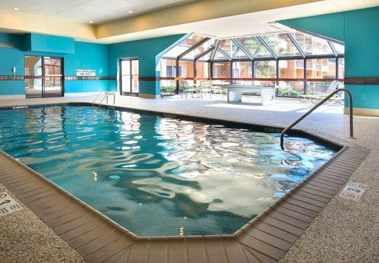 Mahwah, NJ: Indoor Pool & Ping Pong Table
