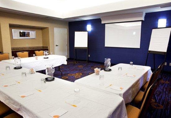 Saint Charles, IL: Meeting Room